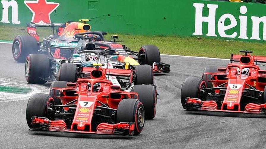 Lotta Ferrari alla prima chicane