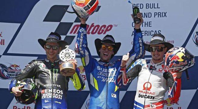 GP delle Americhe: vince Rins davanti a Rossi, Marquez out